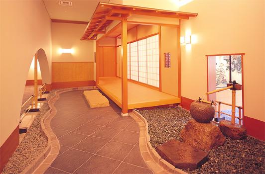 鴻朧館の茶室「拈華庵(ねんげあん)」前の写真