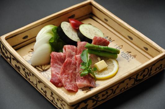 神戸牛と淡路玉ねぎ陶板焼き2