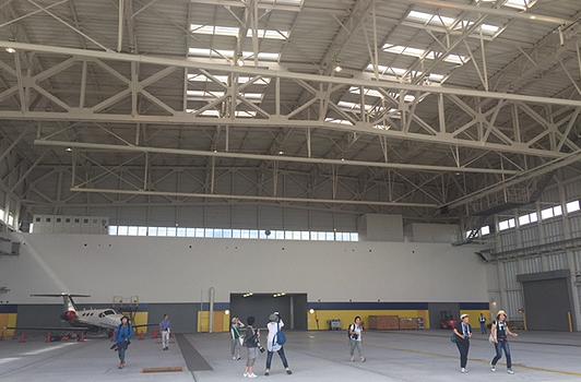 hangar_02