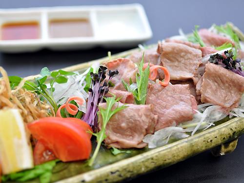 炙神戸肉サラダ